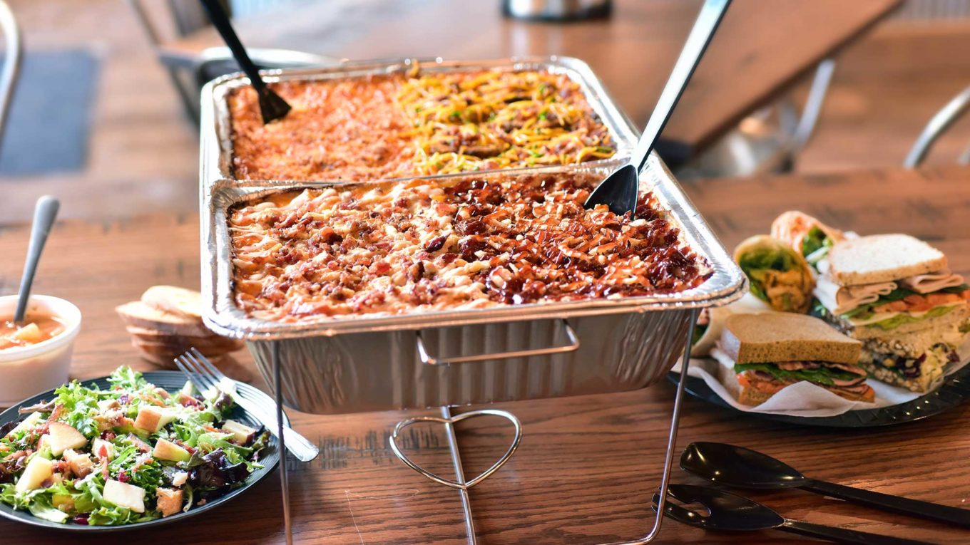 Four Benefits of Hiring a Professional Catering Company For Corporate Events