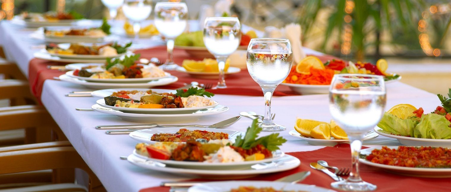 The Benefits of Hiring a Professional Catering Company For a Formal Function